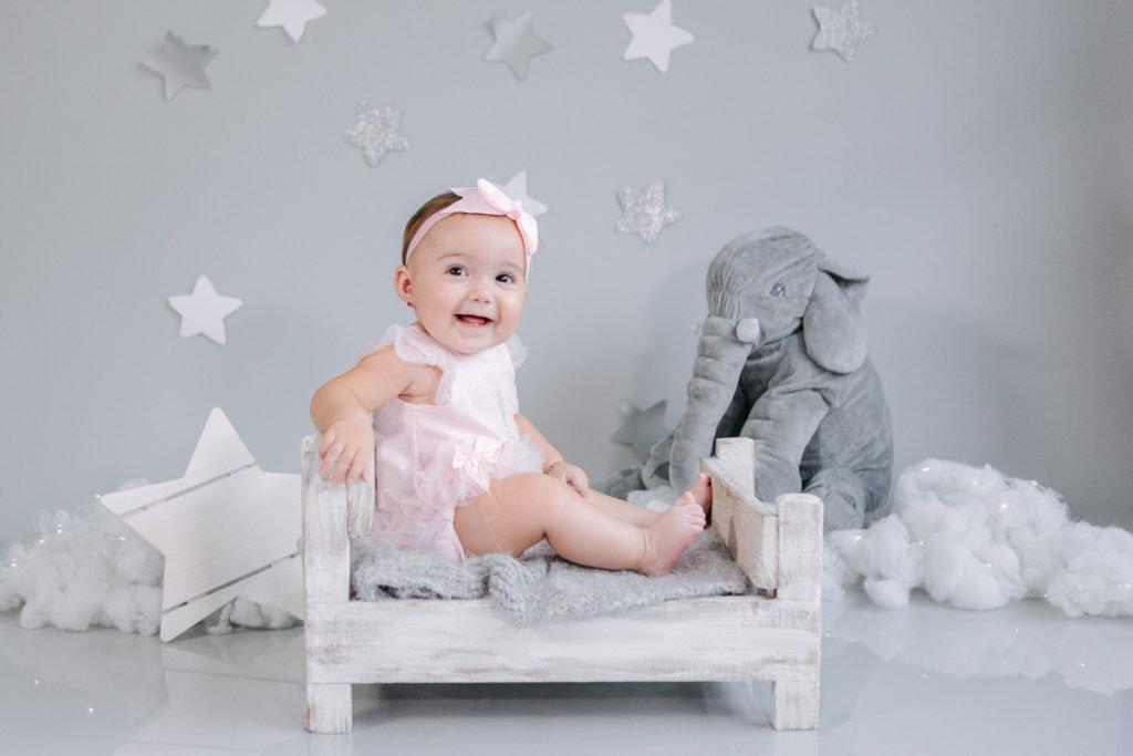 Bebé en el estudio de Media Luna Fotografía