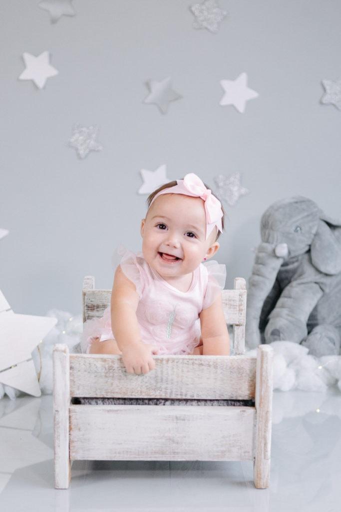 fotos de bebé en estudio de 7 meses de edad