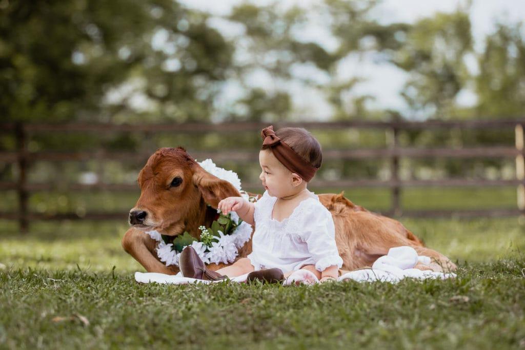 Sesión de fotos con bebé vaquera